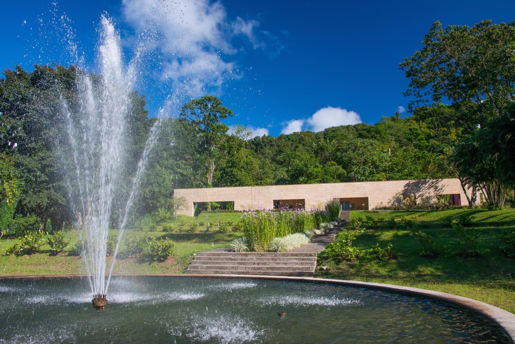 Le domaine d 39 meraude parc naturel r gional de la for Abri de jardin martinique